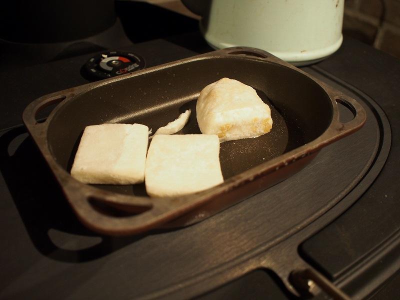 薪ストーブ 料理 焼く 餅