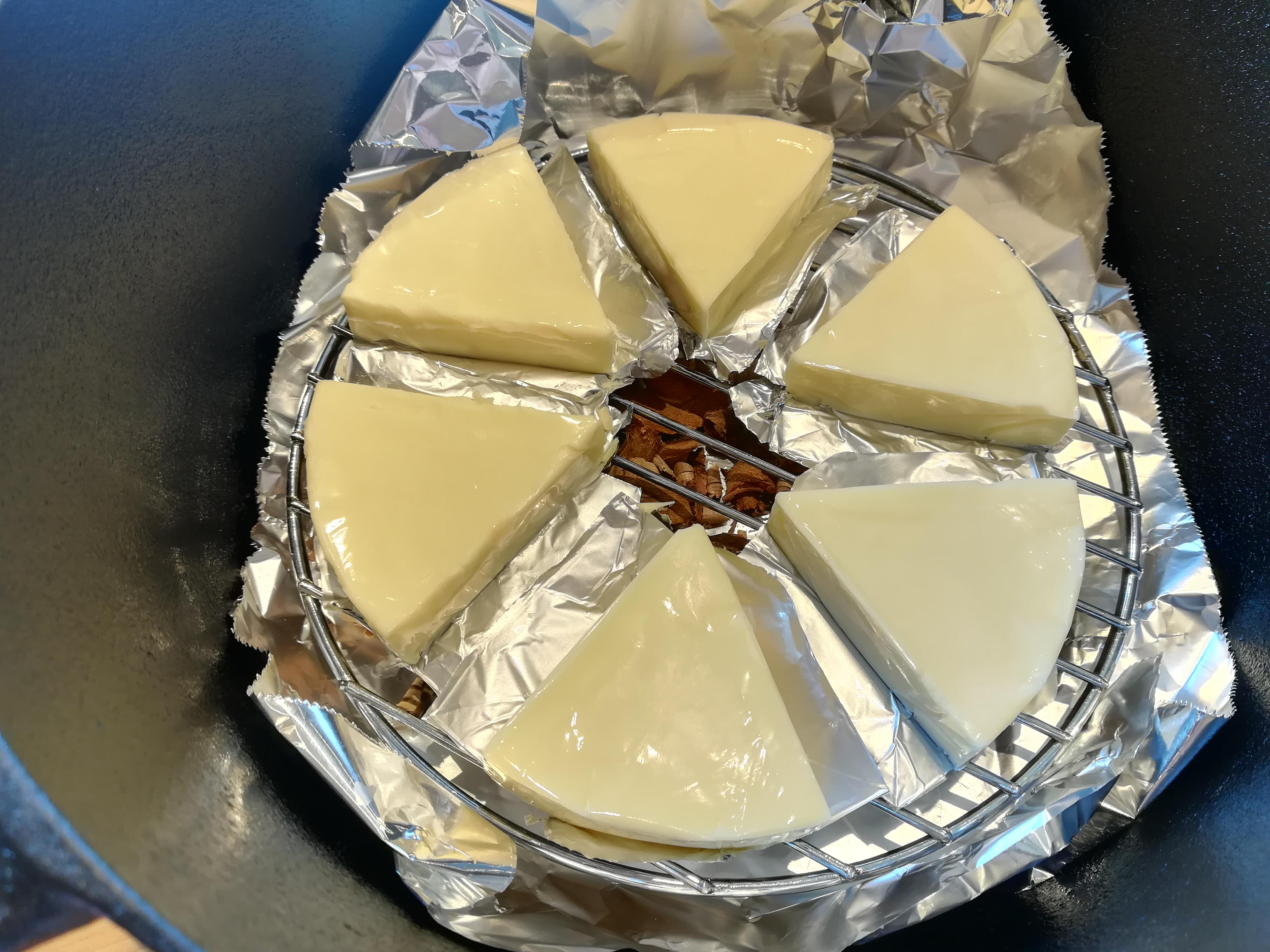 スモークチーズ ダッチオーブン 薪ストーブ