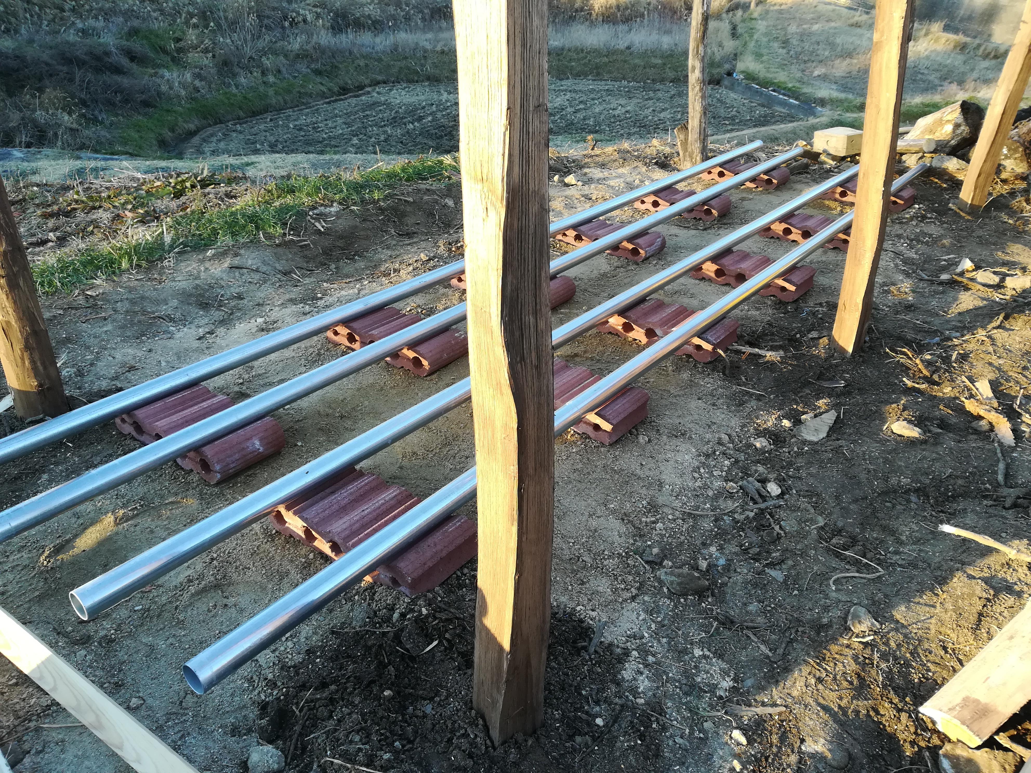 栗の木薪小屋作り